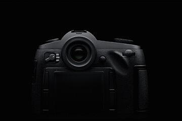 Leica S_emotional_back-crop