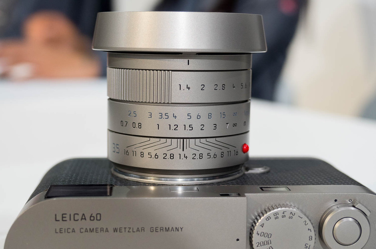 Wide aperture ring with circular hood mounted on M Edition 60 Set