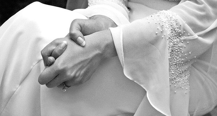 2167=1294-Bride's-Dress-Detail