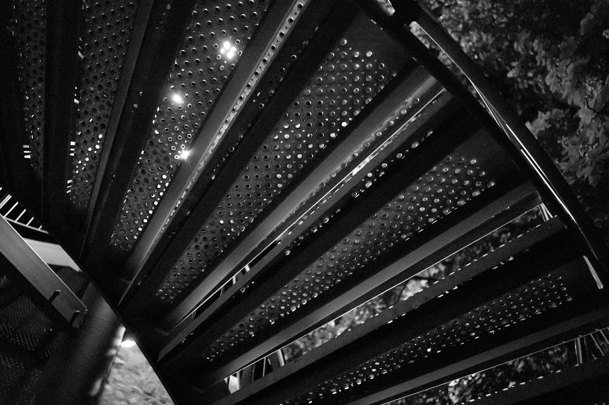 M Monochrom with 28mm Summicron ASPH, 1/25th @ f4, ISO 10000Click here for 100% Crop