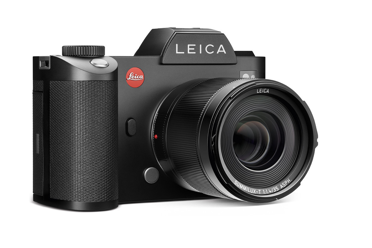 Leica SL (Typ 601) with new 35mm f/1.4 Summilux-TL ASPH - the camera automatically switches to APS-C mode with TL lenses mounted