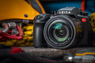 Leica V-Lux (Typ 114) Review: The Swiss Army Knife of Cameras | Red