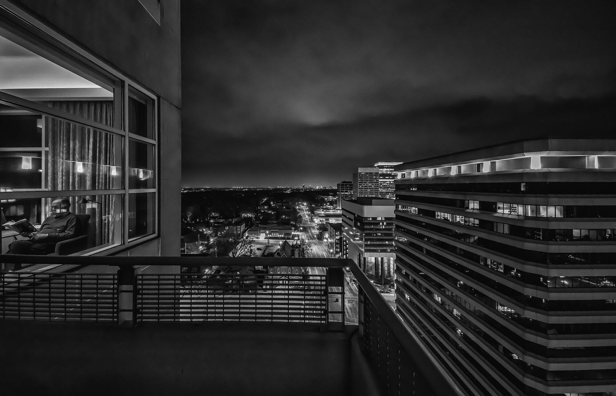 night-shot-e