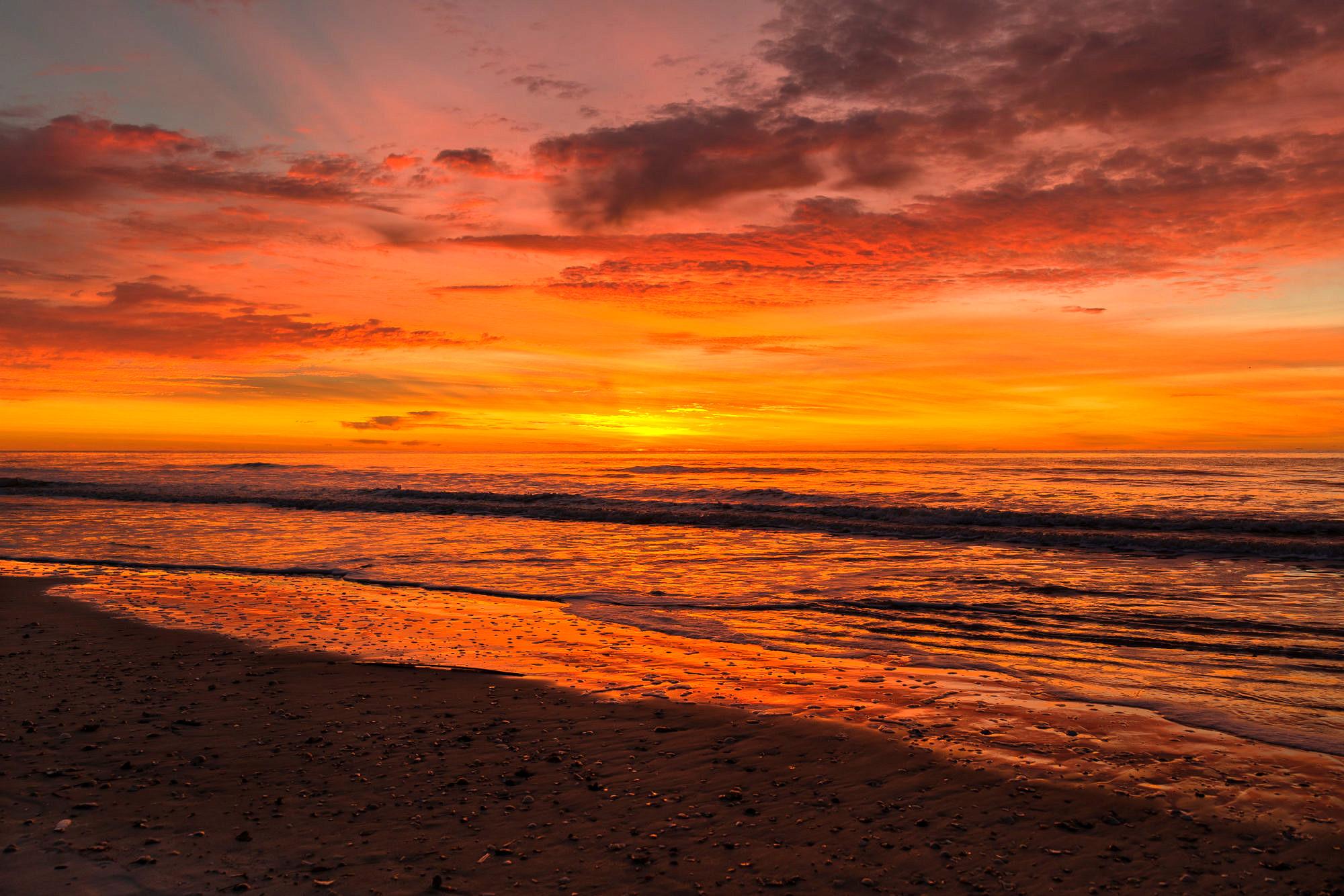 the-last-sunrise-in-2016-4