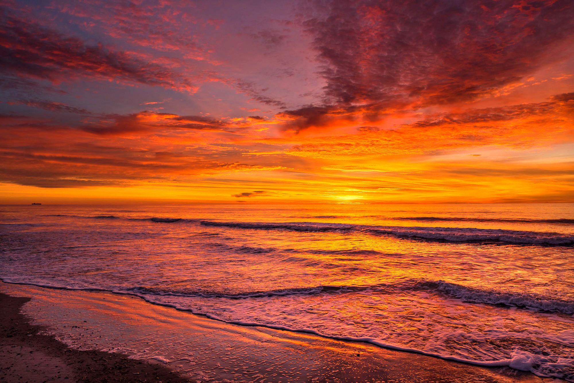 the-last-sunrise-in-2016-2