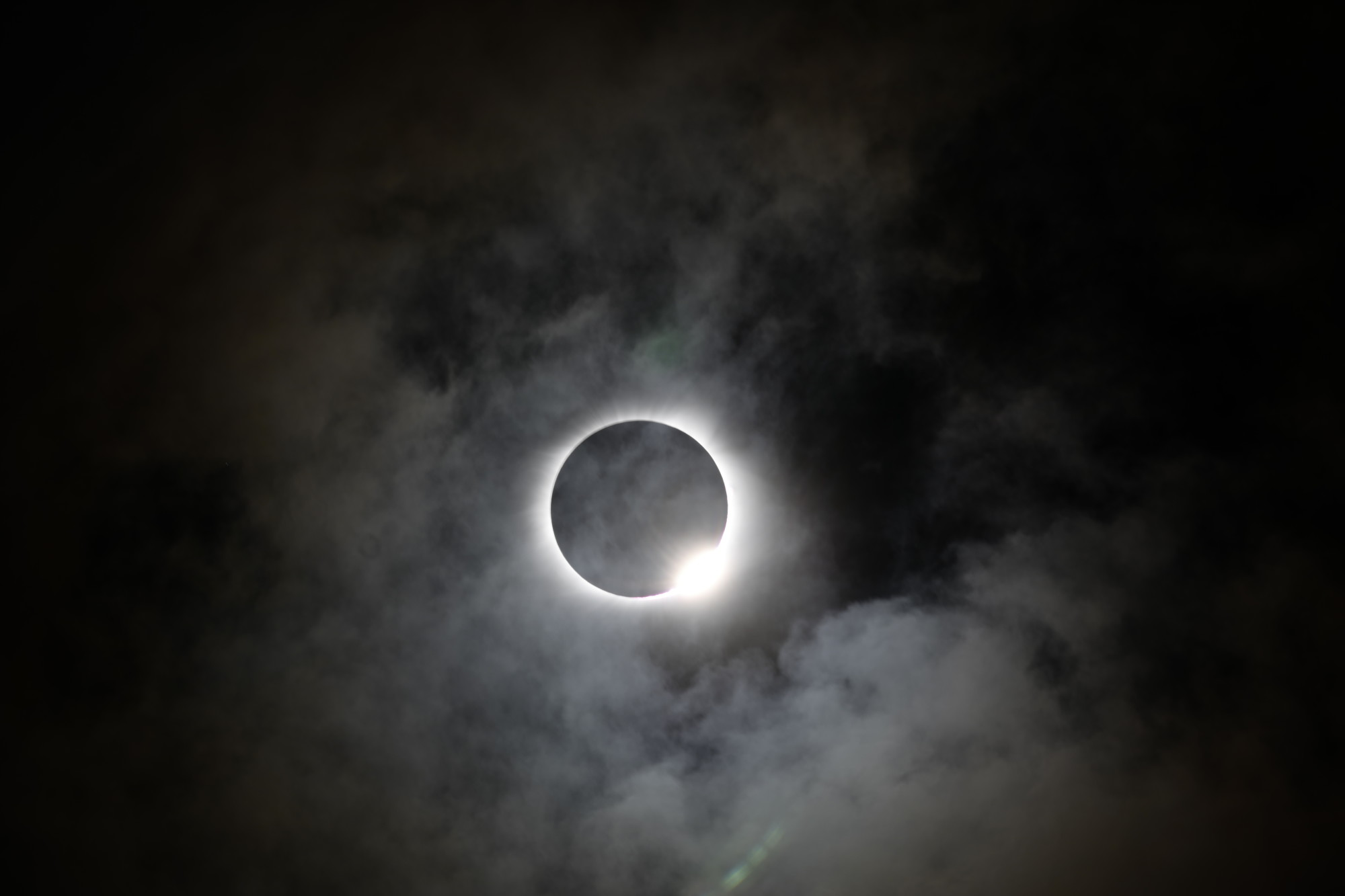 2017-eclipse-totality-and-the-diamond-ring