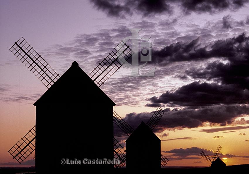 windmills-of-la-mancha
